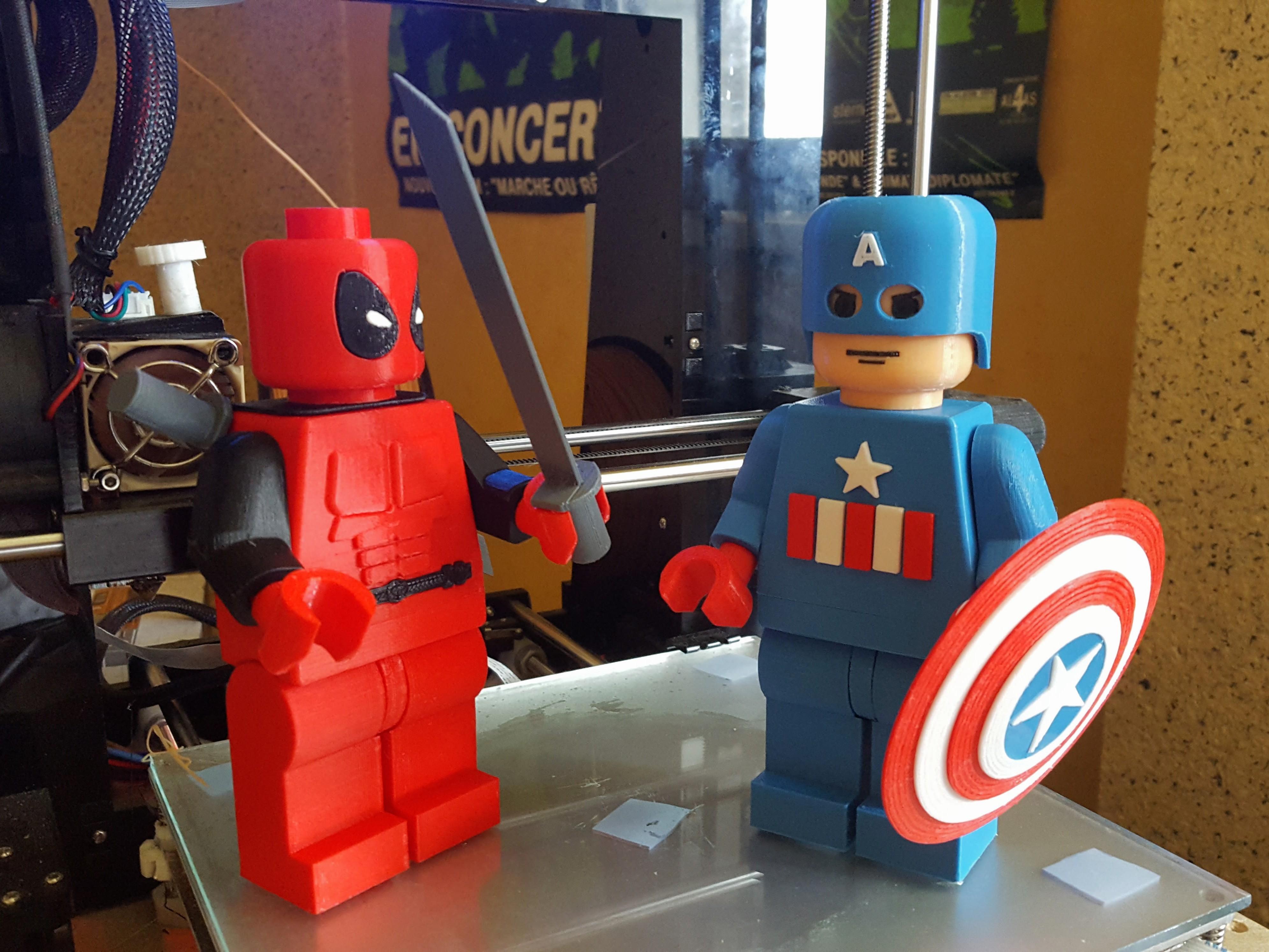 Legos Marvel géants